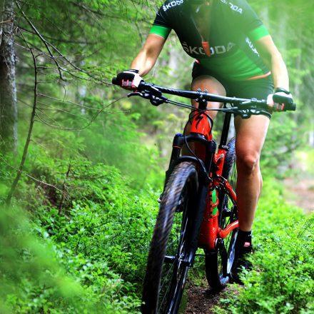 dame kolesarijo dogodek gorsko kolesarjenje